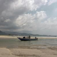 RiverNo2Beach_boat
